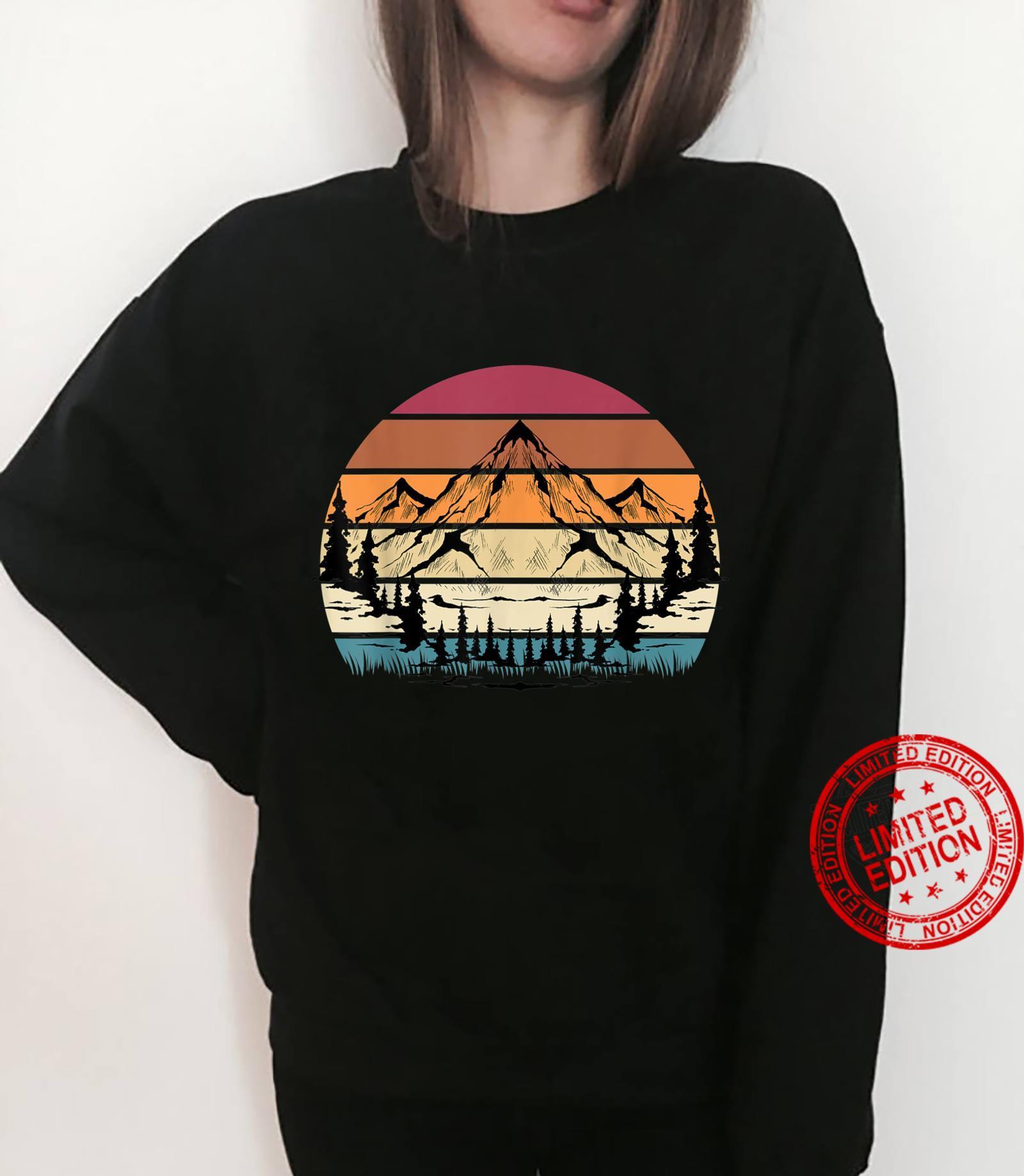 Retro Mountain Hike Hobby Sport Hiker Camping Hiking Shirt sweater