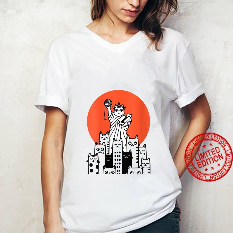Womens Cat in New York, NYC, America, USA, Patriot, Manhattan Shirt ladies tee